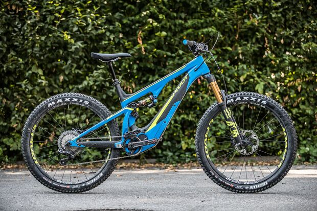 EM-Pivot-Shuttle-2018-Pivot_Launch_Aug_2017_Mountainbike_low-23.jpg