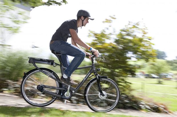 UB E-Bike Pedelec action