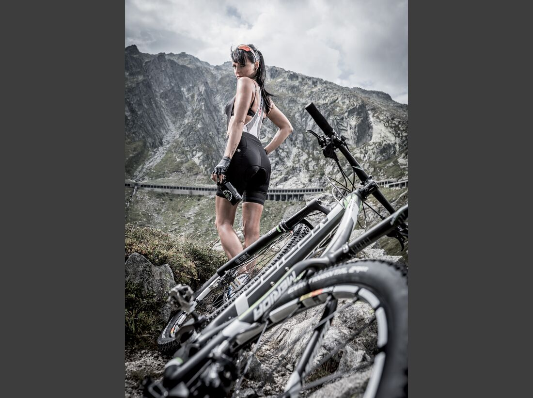 rb-sexy-cycling-kalender-2015-august (jpg)